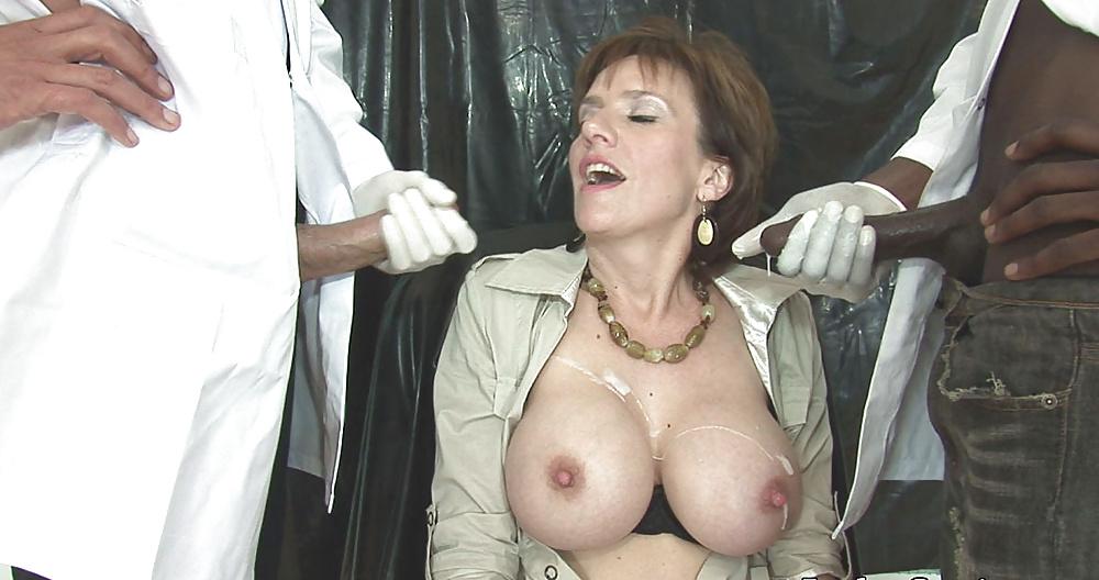 cum-on-lady-sonia-nude
