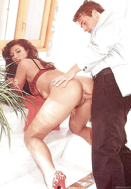 smotret-porno-tango-dlya-seksa-poyut-i-tantsuyut-porno-video