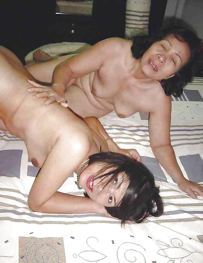 Chinese mom lesbian