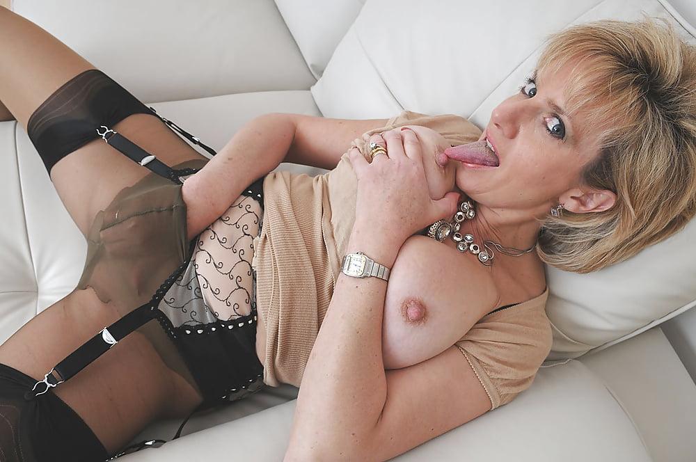 Mature lady nylons