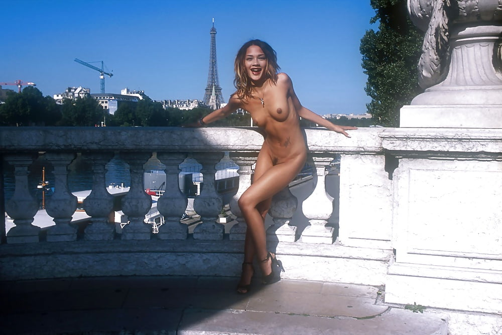 seks-erotika-v-parizhe