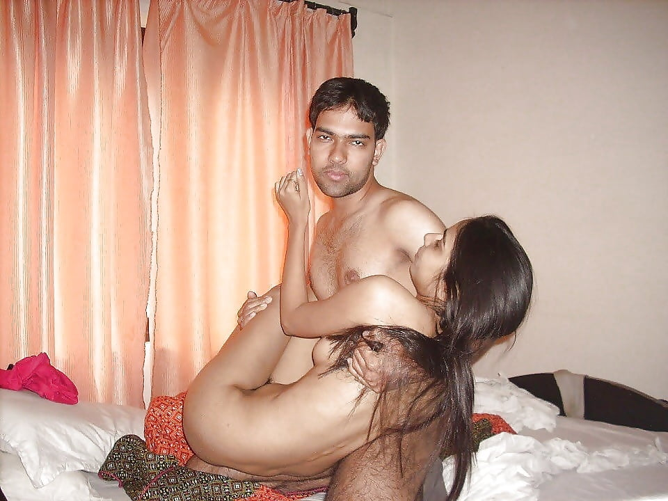 Indian housewife sex with boyfriend