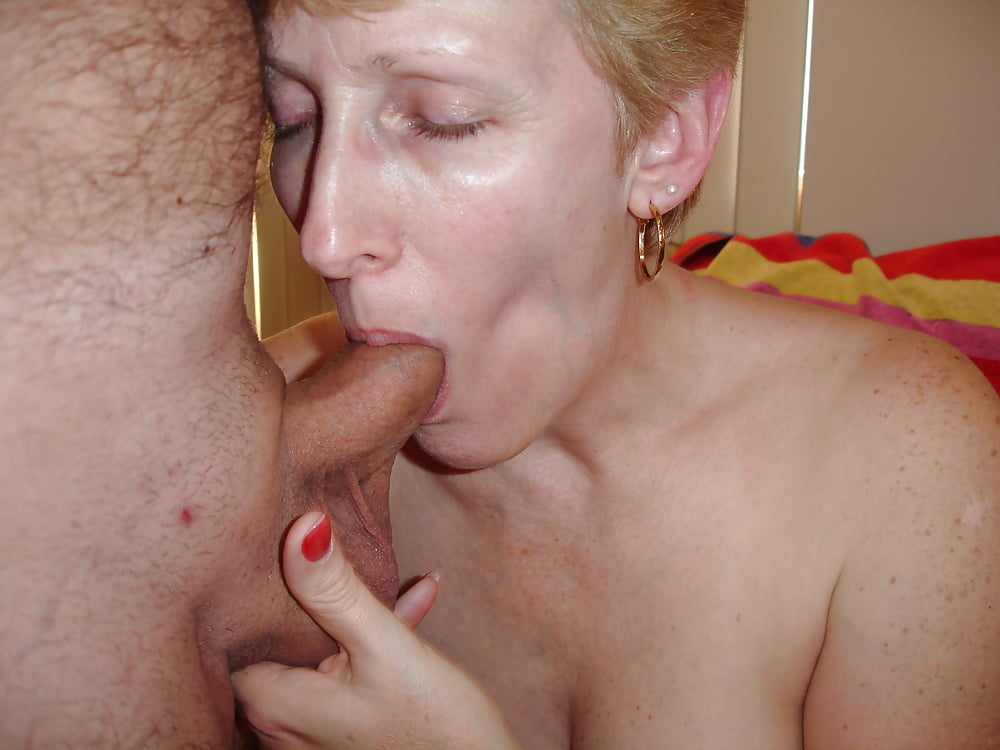 bedroom-mature-blowjobs-black-wife-tube