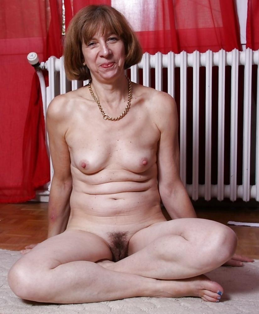 Natural mature women pics-2597