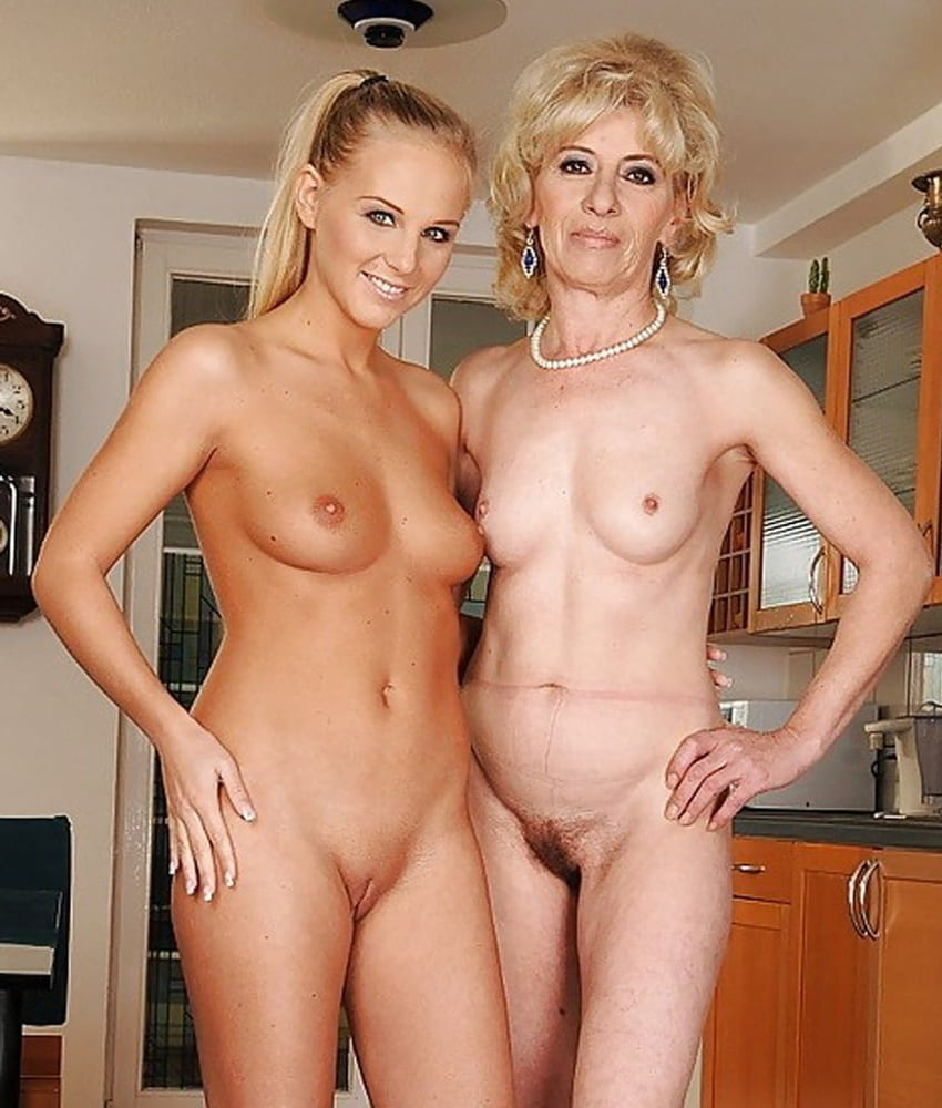 Nude moms and pops