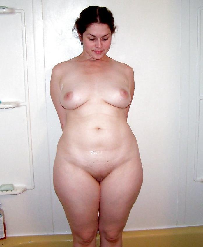 фото голых с полными бедрами похоронах