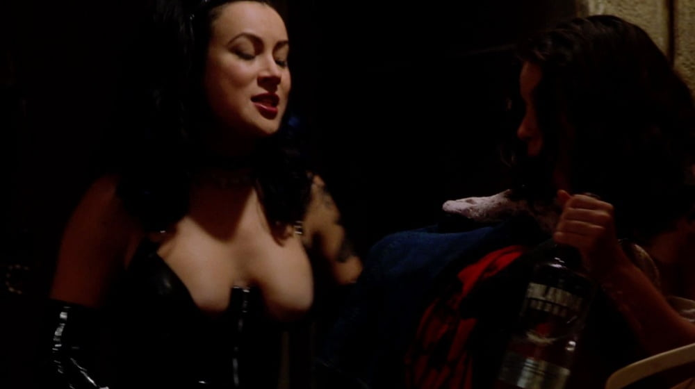 jennifer-tilly-blowjob-peole-naked-biker