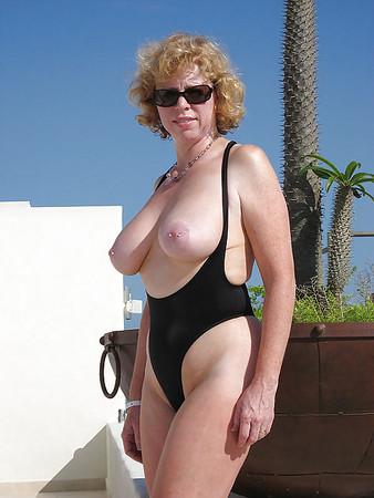Exhibitionist mature Dubio Bikinis