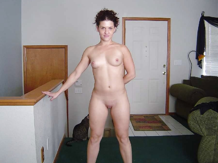 Nude girlfriend full frontal — 12
