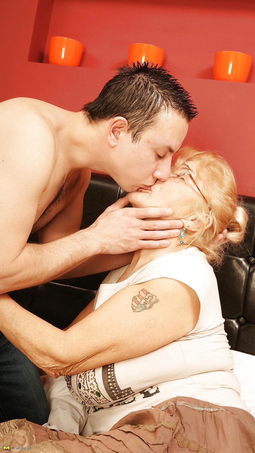 mature-women-kissing-younger-men-dead-porn-actresses