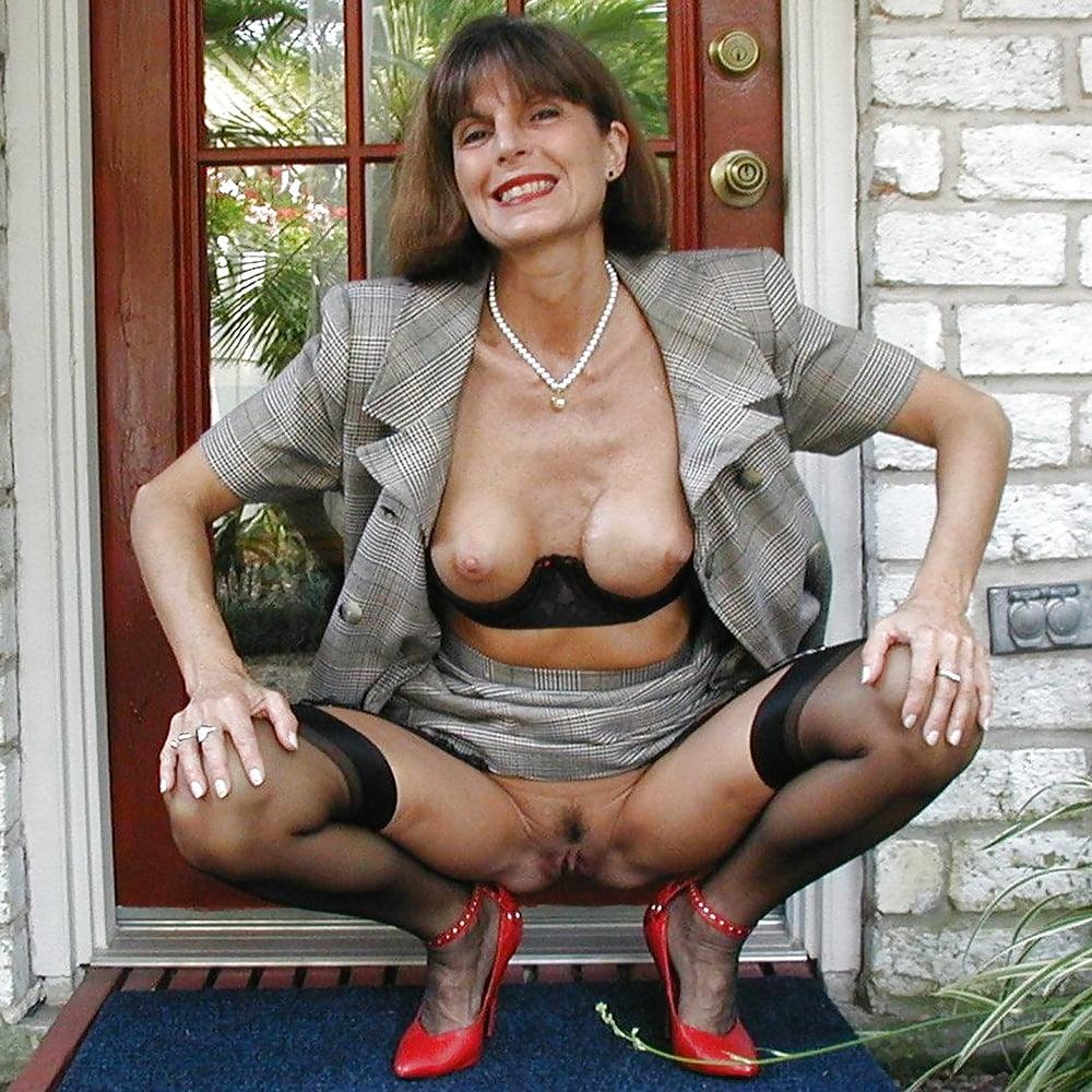 Oem Fashion Show Sexy Mature Ladies Women Fancy Transparent Lace Lingerie Panty Thong
