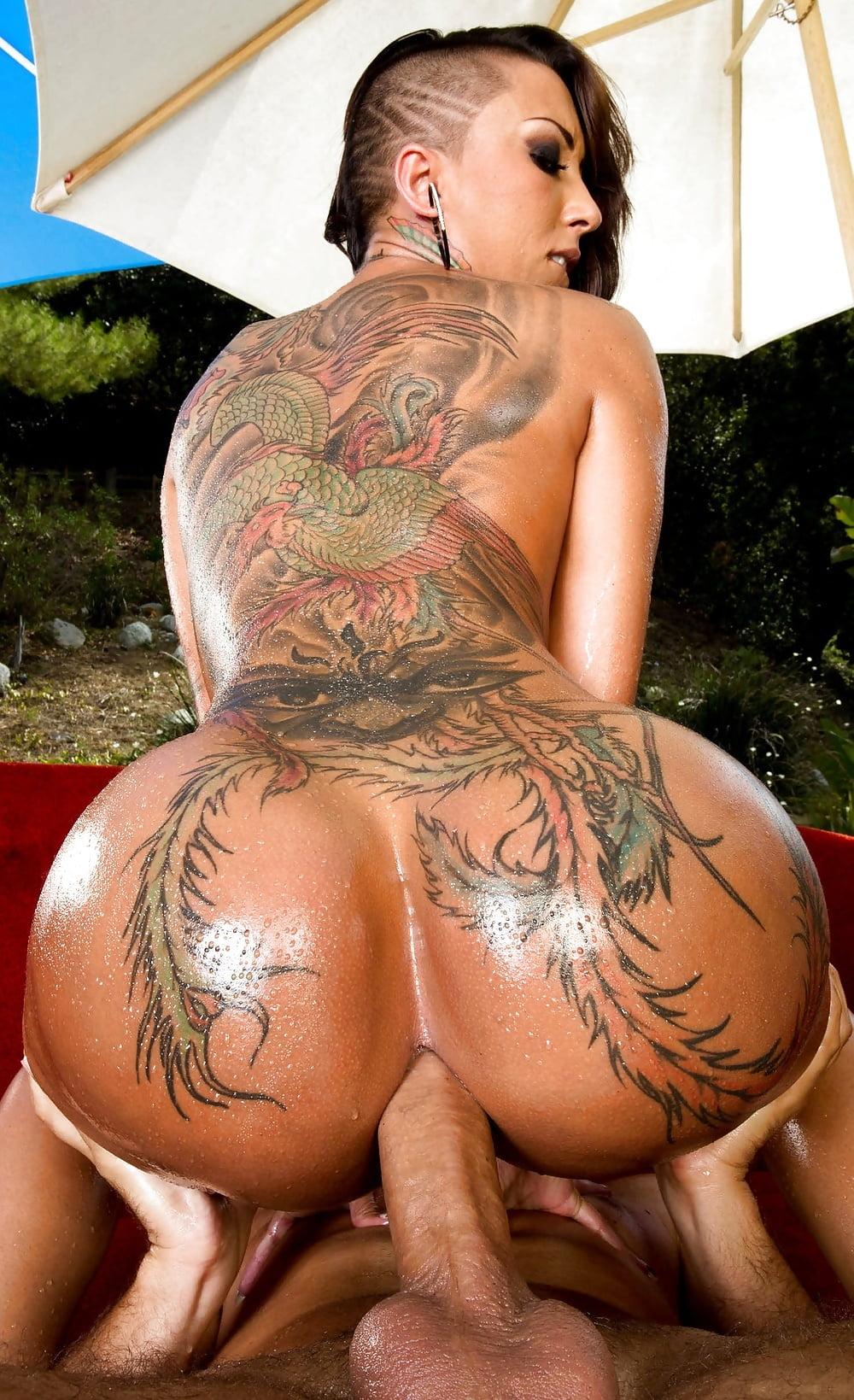 Chicks big nude tattooed ass, girl on girl sexs