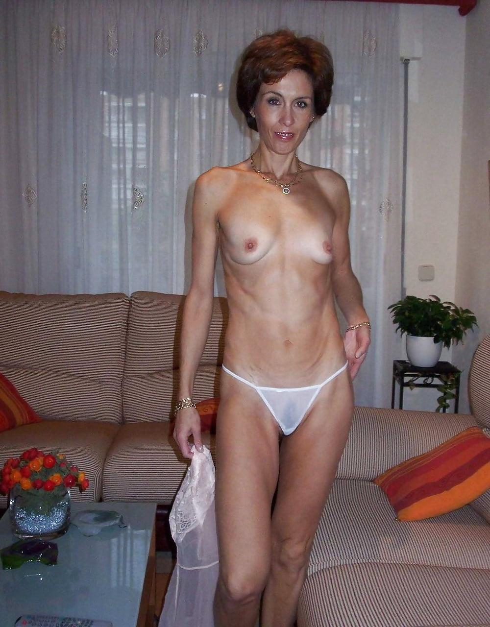 худые голые зрелые женщины осмотр
