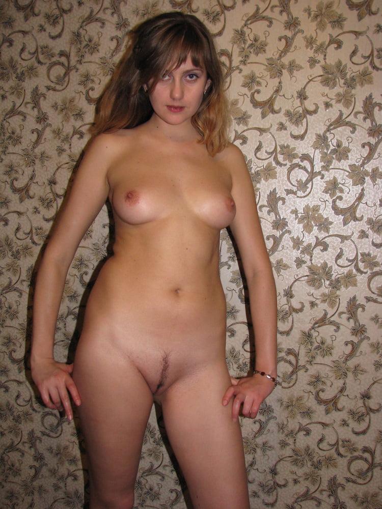 Неизвестные девушки домашние фото голые