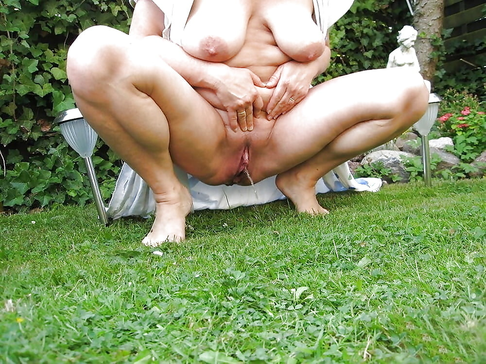 free-obese-fat-huge-bisexual-peeing-busty-amateur-brunette-canada