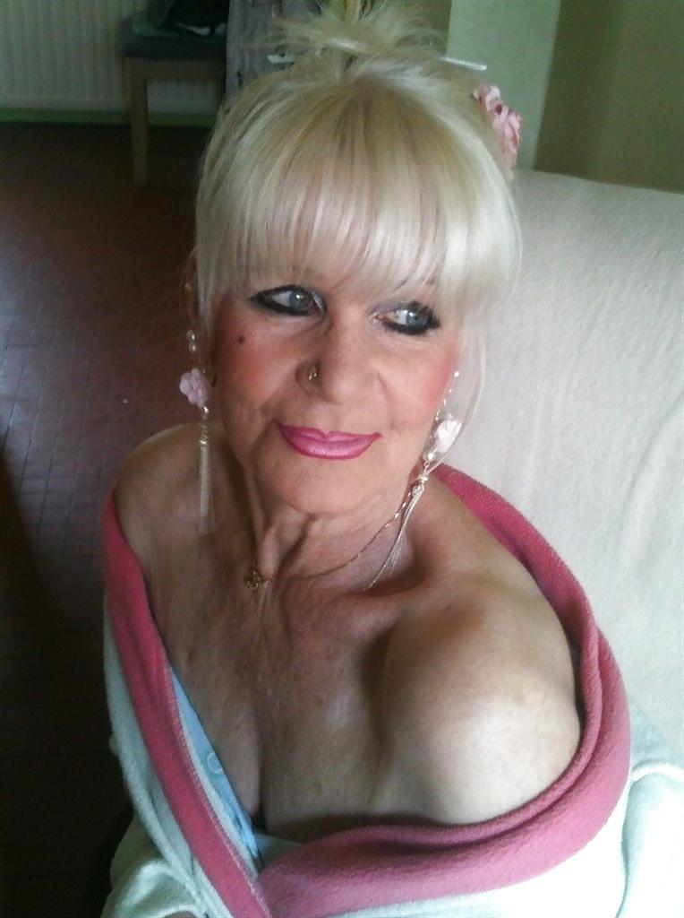 ochen-starie-shlyuhi-video-anketi-foto-seks-po-lesbiyanok