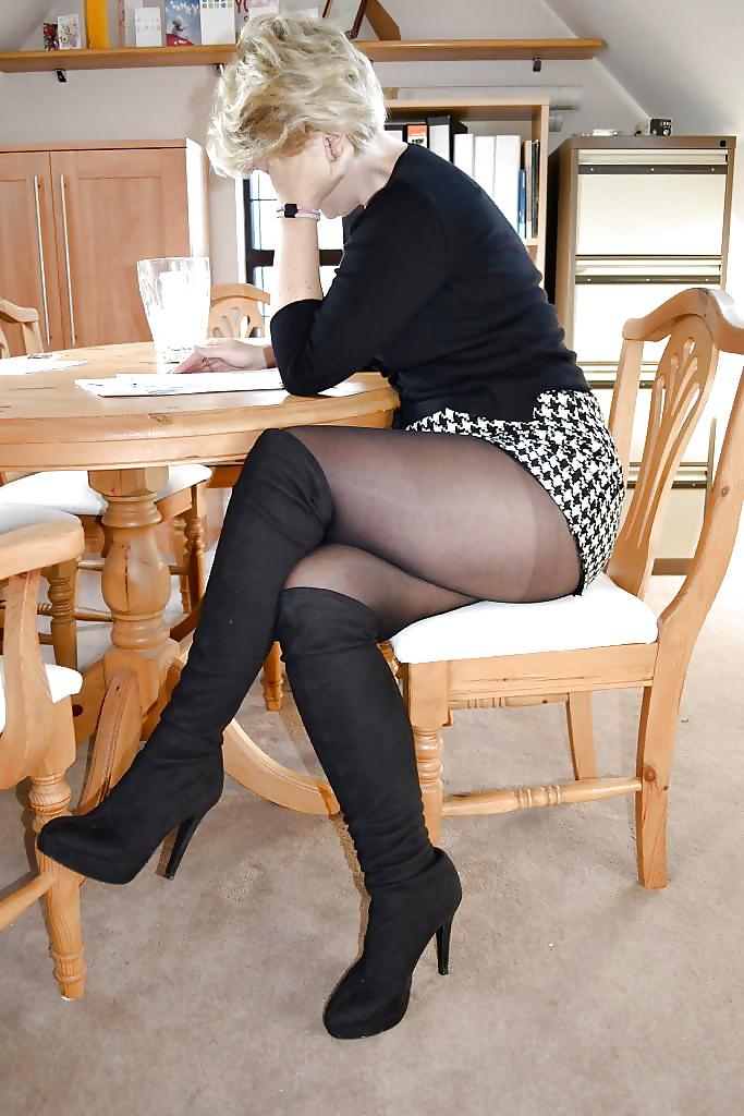 Short Skirt Milf Office Sex