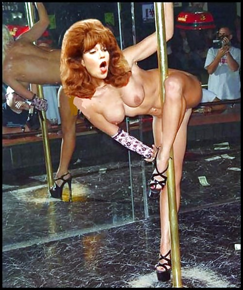 Kelly And Peggy Bundy Nude Fakes