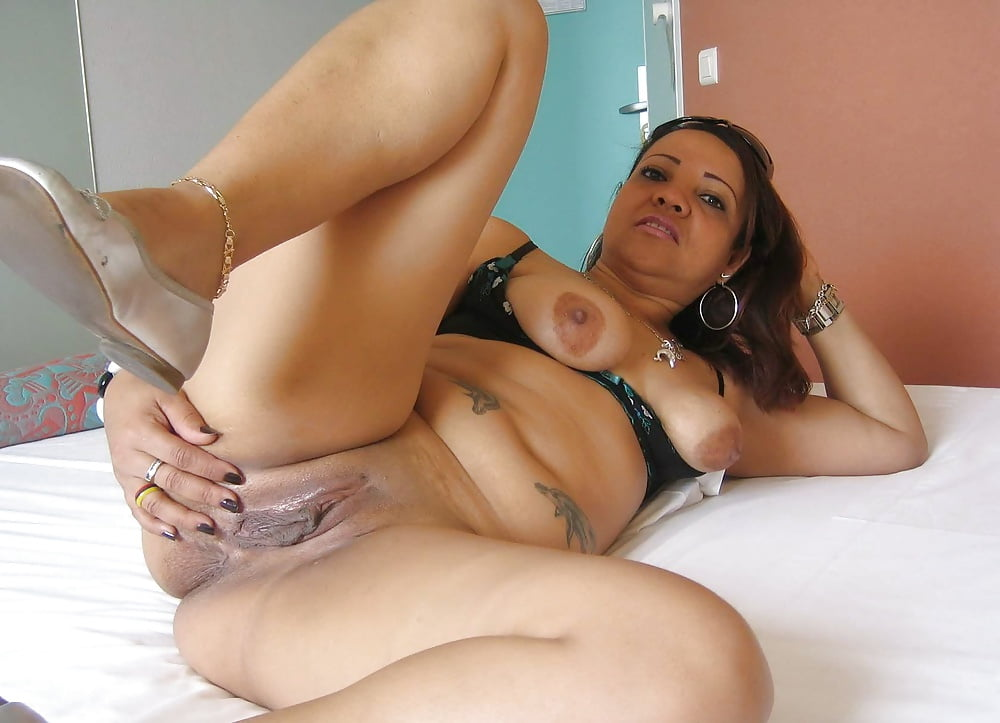 Mature latina video — pic 11