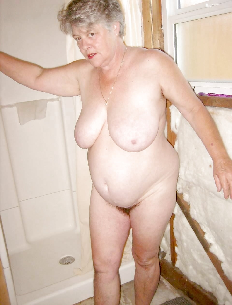 Old lady naked for birthday kissing