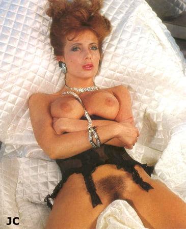 Margrit Evelyn Newton  nackt