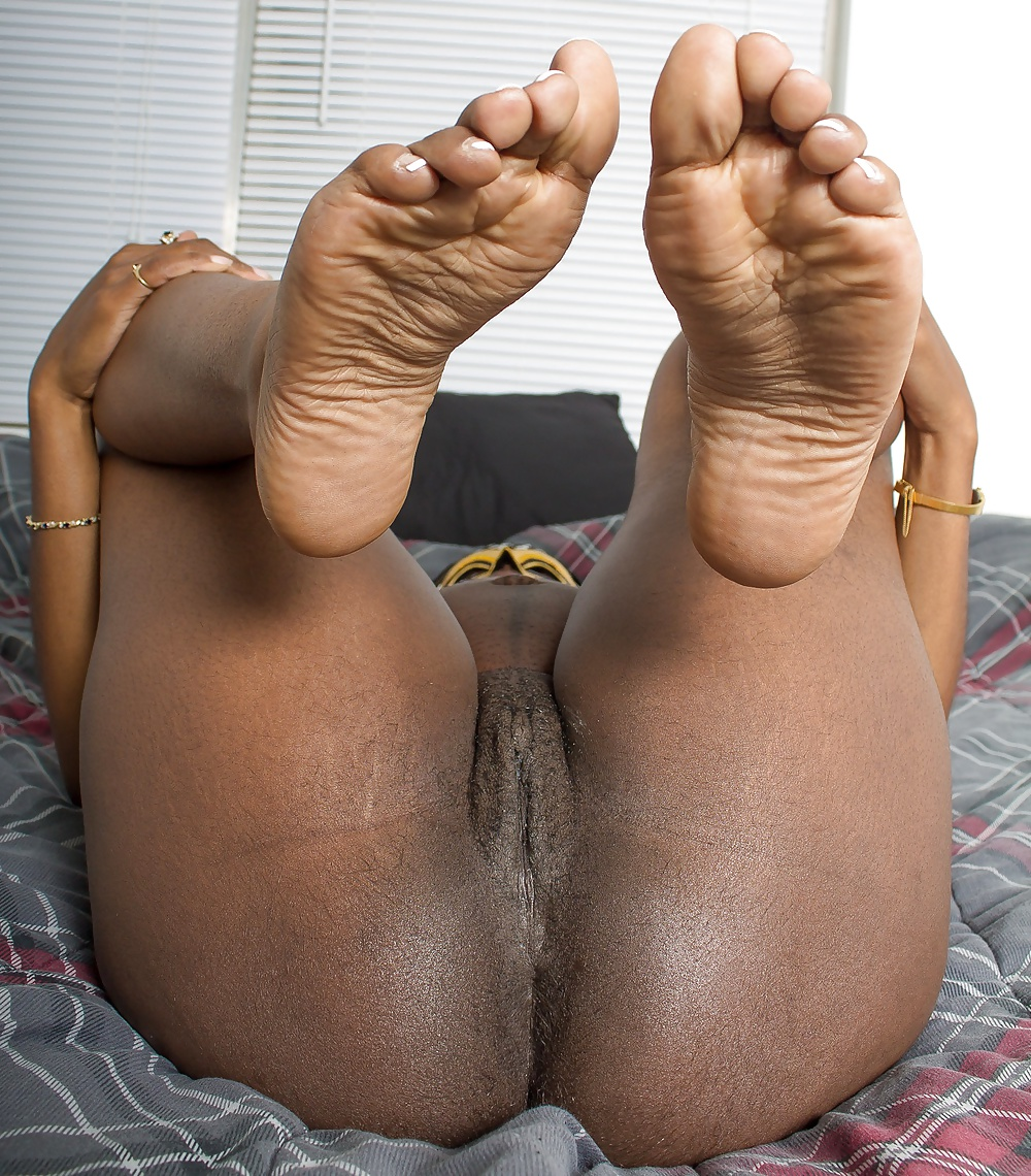 naked-black-pussy-and-feet-pics