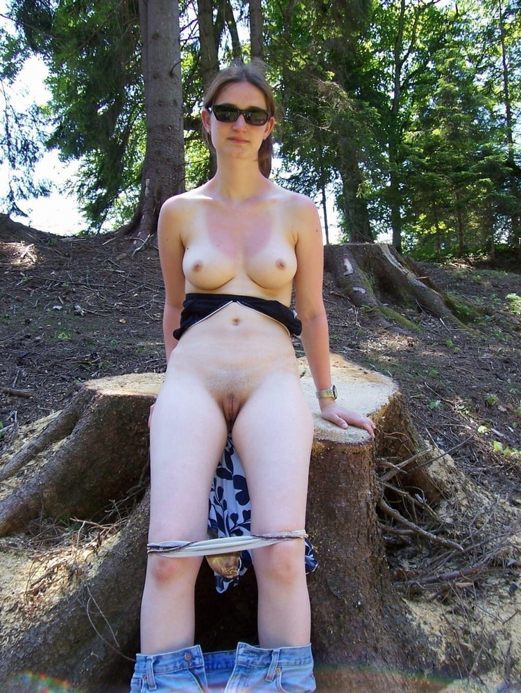 naked-slut-outdoors