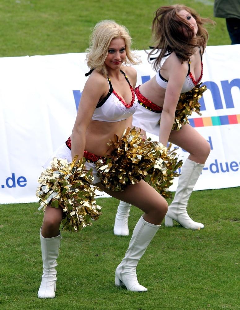 Lesbian Cheerleader