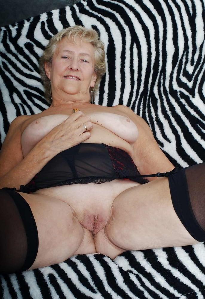 Пенсионерки секс фото, дамское белье порно зрелые