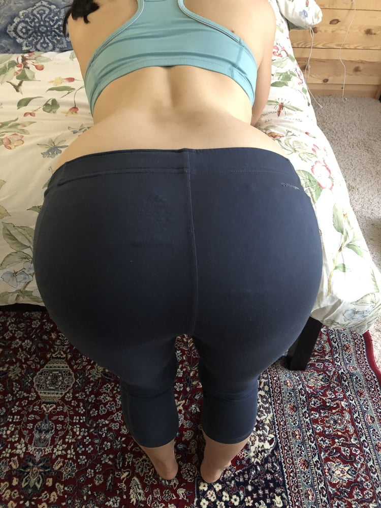 Milf in leggings pics