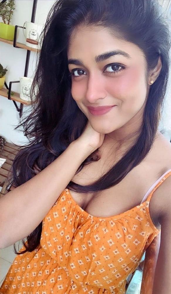 Stunning Dimple Hayati - 13 Pics
