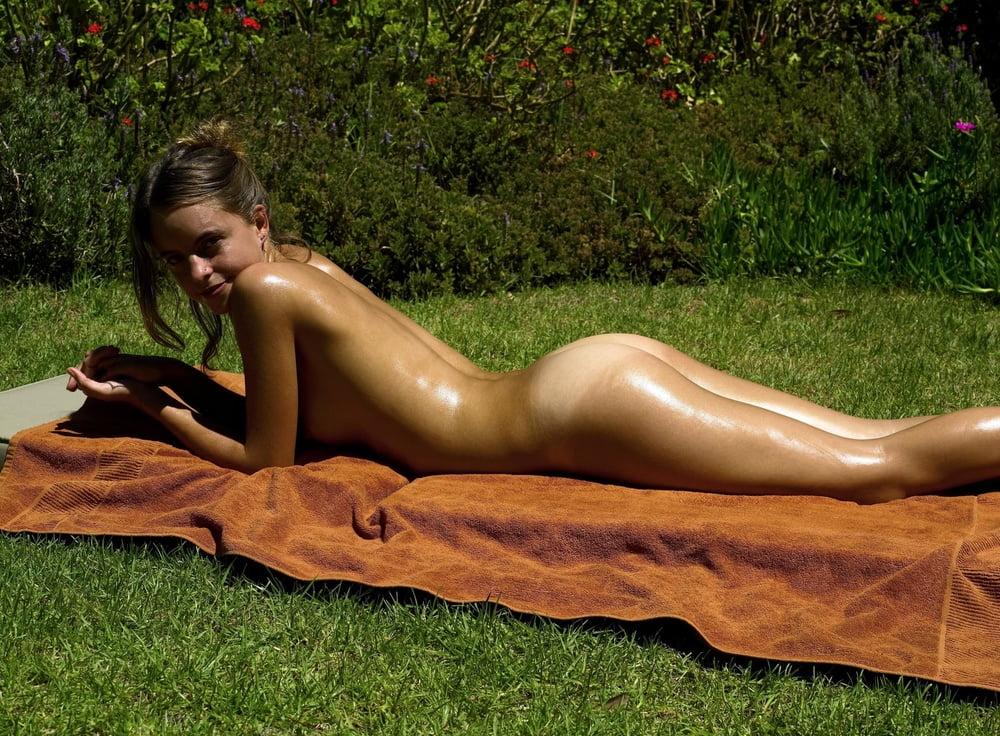 Naked Women In The Sun