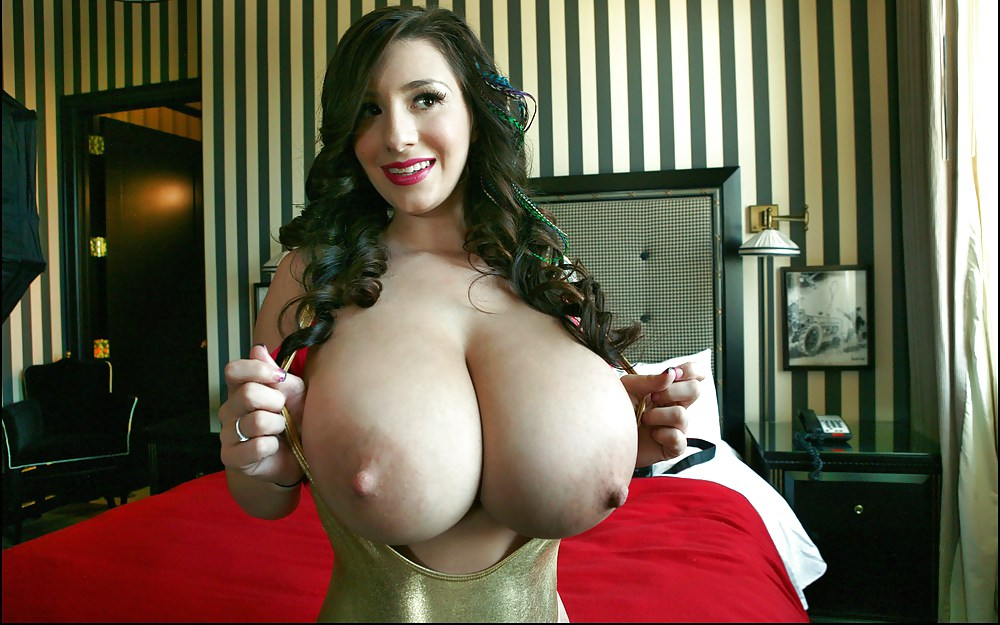 vey-hot-girl-masterbaiting-with-big-tits