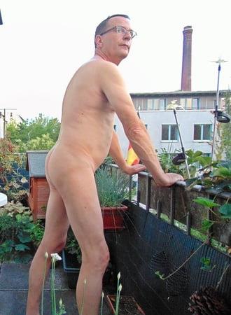 Zu hause nackt Der Neffe