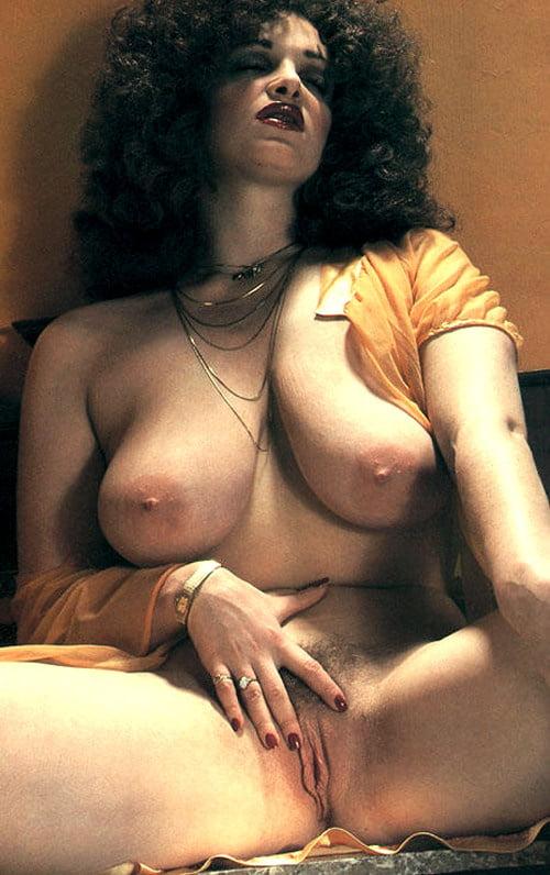 Spectacular Vintage Tits 6 - 60 Pics