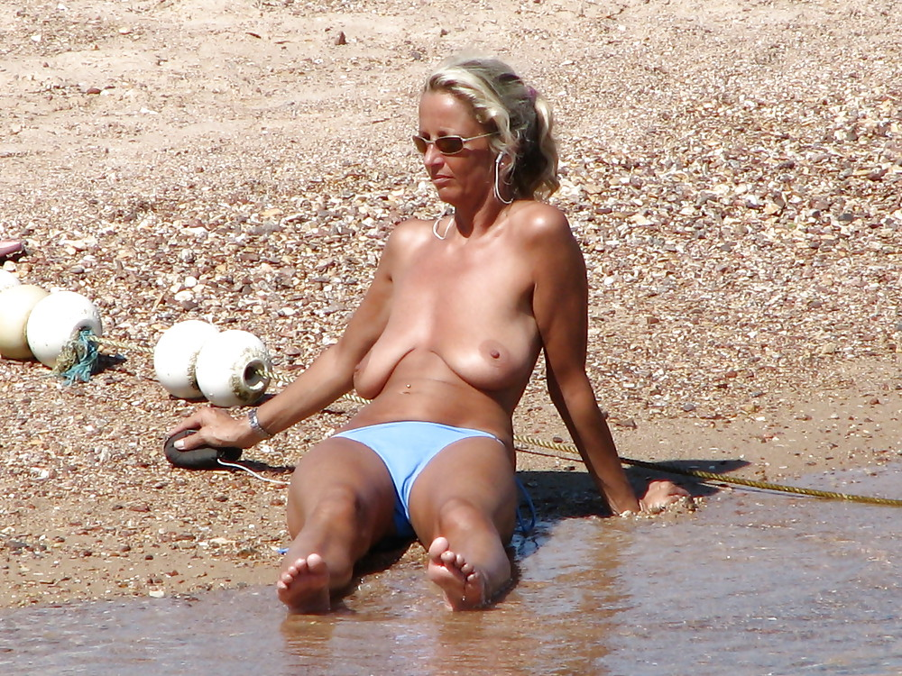 Middle aged women nude beach, somethingmag video porn free