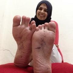 Hijab Muslim Sluts With SEXY FEET