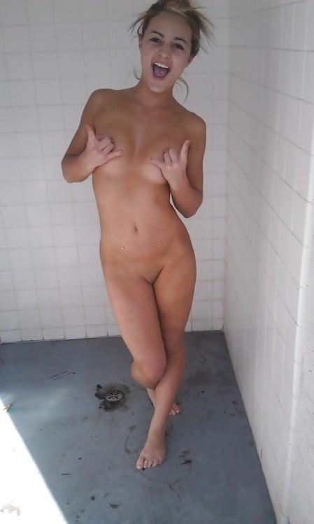 Ebony booty in panties-1390