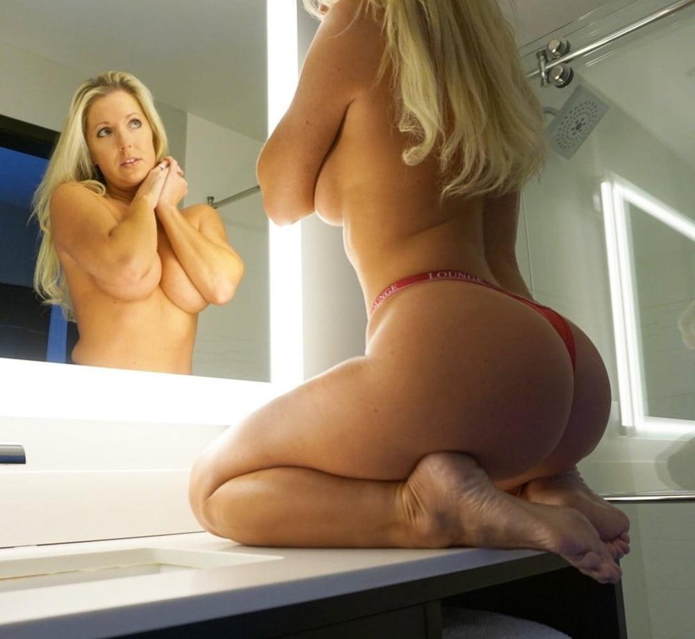 Ms Texas Thighs- 45 Pics