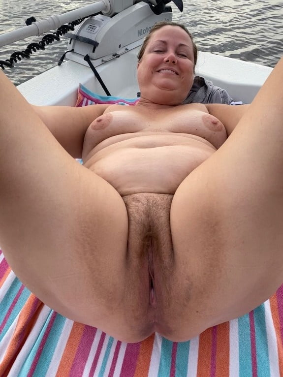 Showing off my cunt again- 5 Pics