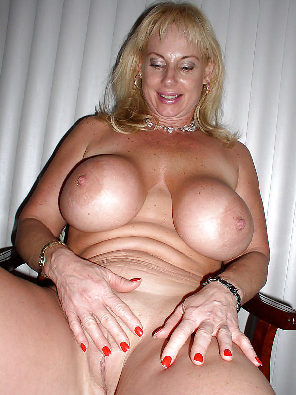 Blonde Busty Mature Milf Peggy - 35 Pics  Xhamster-2848