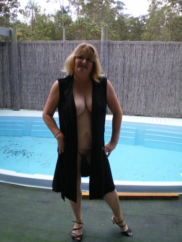 Granny Sue from NZ - 17 Pics
