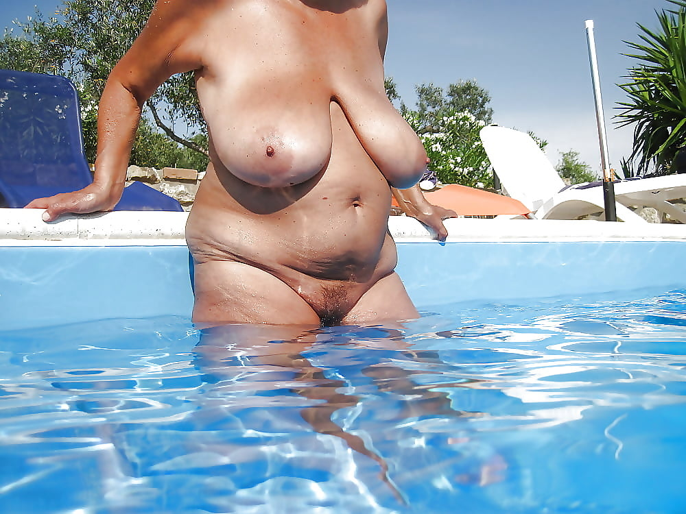 Swimming nude bbw — 1