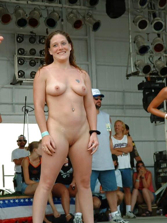 Sexy Topless Naked Biker Chicks Scenes