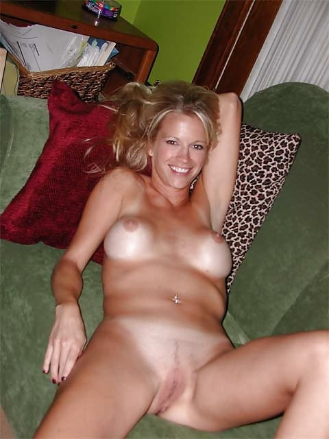 Sexy mature wife pictures-8007