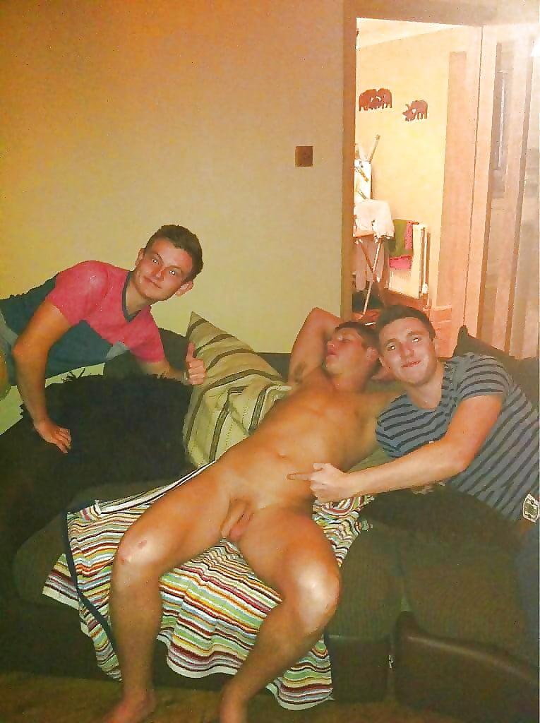 Naked guys drinking — photo 9