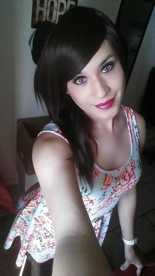 pretty-emo-tranny-blair-sexy-naked
