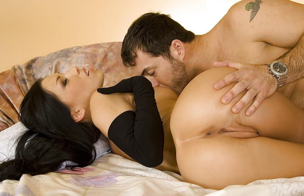 порнуха секс по настоящему ебут толпой