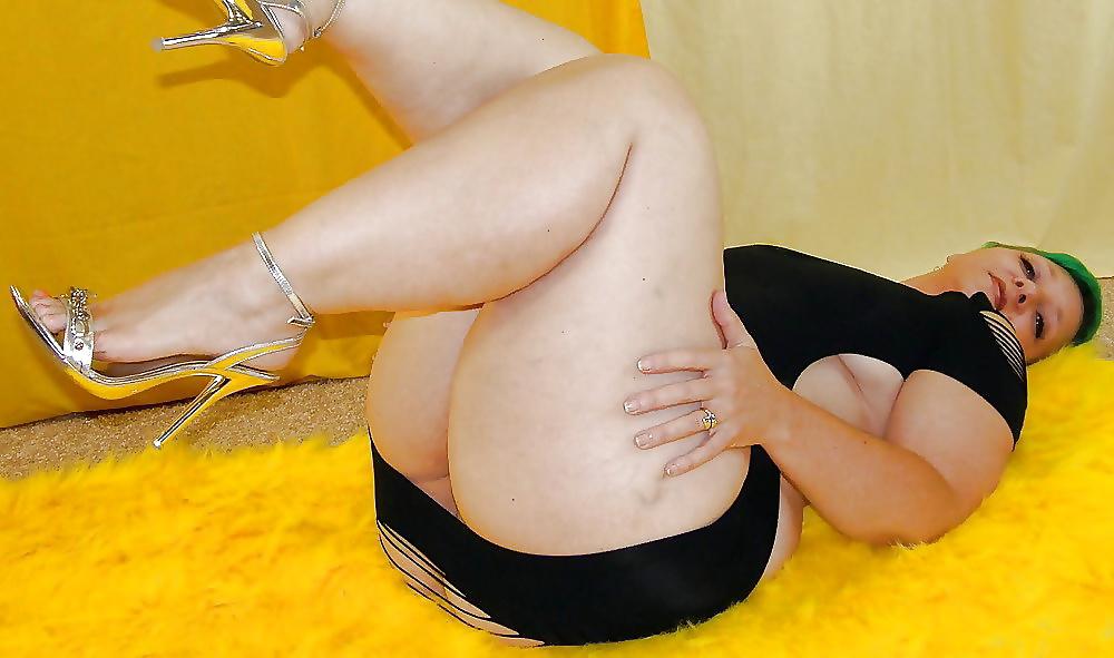 Free Thigh Fetish Porn Pics
