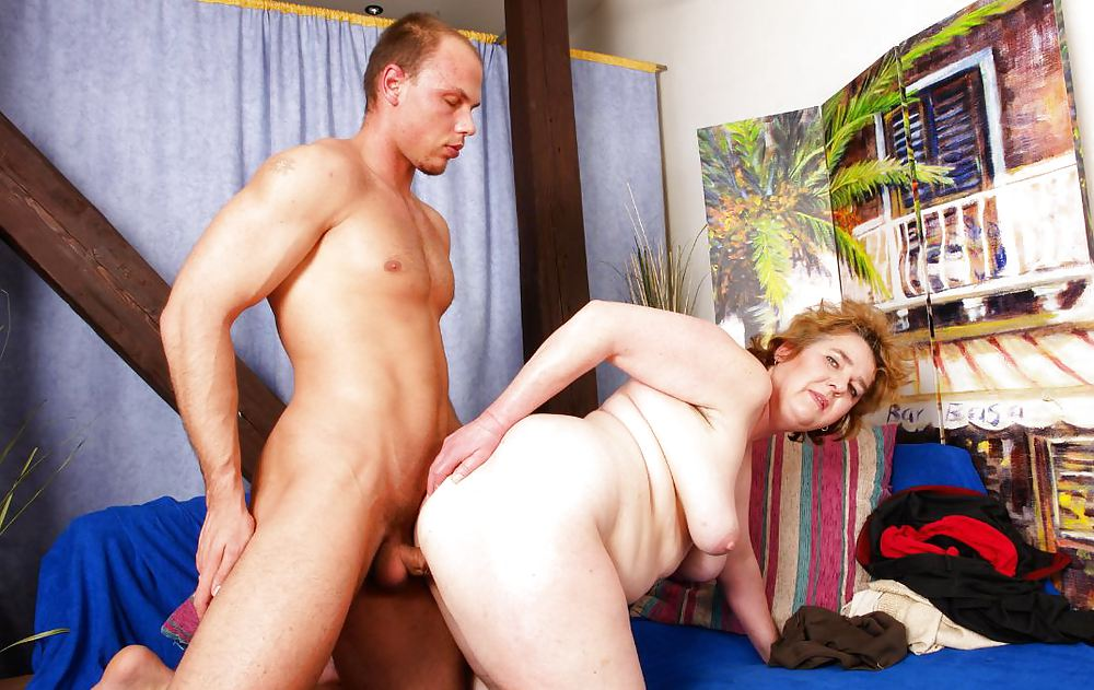 Older Woman Shows Younger Man The Ways Of Sex
